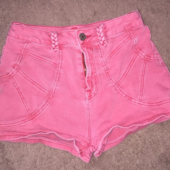 BDG Pants - Faded vintage red high waisted shorts